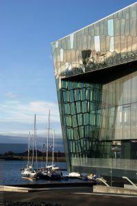 Kirsten Boriesosdiek: Die Harpa-Konzerthalle: Sinnbild gegen die Finanzkrise